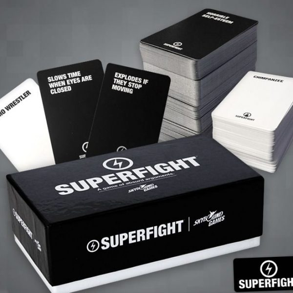 Superfight | A game of absurd arguments.